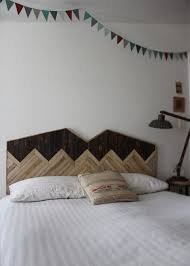 Cool Wood Headboards by 17 Cool And Simple Diy Wooden Headboards Comfydwelling Com