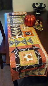 quilty habit reversible thanksgiving halloween table runner