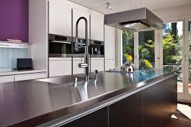 edelstahl küche weiße küchen 7 ideen und bilder für küchen in weiß küchenfinder