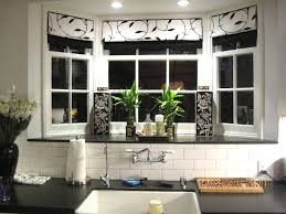 window treatments bow windows living room treatment best brilliant kitchen bay window ideas nook dining windowjpg full mesmerizing windows drapes for bay
