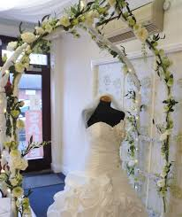 Wedding Arches For Hire Wow Factor Wedding Bridal Arch U0026 Standard Rose Trees