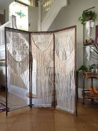 Diy Curtain Room Divider by Best 20 Room Divider Headboard Ideas On Pinterest Faux