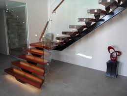 4 ways to use steel stair stringers in your commercial business