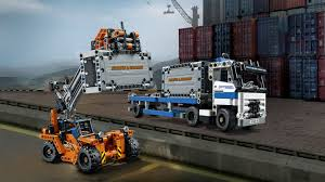 lego technic 2017 42062 container yard products lego technic lego com