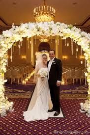 Wedding Arch Nyc Winter Wedding Arch With Mistletoe To Kiss Under You U0026 I U003c3