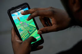 pokémon go photos players creatures through city streets