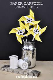 jen gallacher diy spring paper daffodil pinwheels