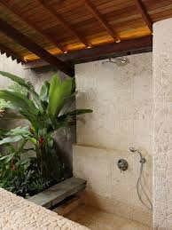 Island Themed Home Decor Best 25 Tropical Bathroom Ideas On Pinterest Tropical Bathroom