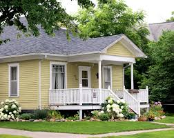 little house want to house hunt with me house walking tour in downtown kalona