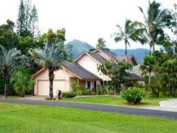 queen bath area decorated hawaiian homeaway princeville