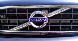 volvo company file volvo logo on the grill jpg wikimedia commons