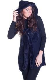 fashion vetement femme gilet femme à capuche avec fourrure sur les côtés vêtement femme