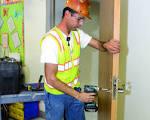Cómo instalar puertas comerciales | Constru-Guía al día