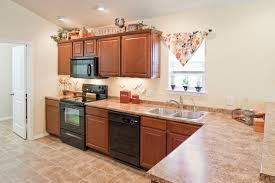 Types Of Kitchen Flooring 4 Good Inexpensive Kitchen Flooring Options
