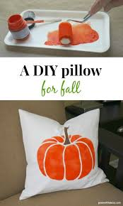 Oh my gosh I love this DIY fall pillow How cute Green With