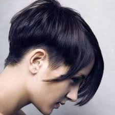 edgy hairstyles in your 40s flaunt your short hair with unique hairstyles