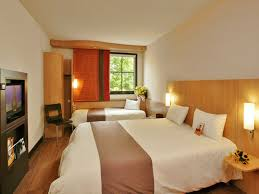 ibis chambre hôtel ibis caen porte de bretagne 3 étoiles à proximité de cae