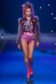 I Love Gigi Baby Clothing Gigi Hadid Braless For Love Magazine Shoot Daily Mail Online