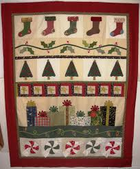 quilt ideas quilts pinterest holly tree gift and christmas