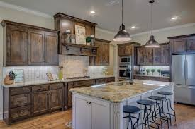 Two Toned Cabinets In Kitchen The Two Toned Cabinets Kitchen Trend Curb Appeal