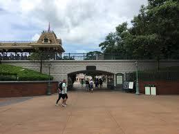 photo tour of hong kong disneyland resort part 2 park entrance