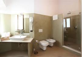 bagno o doccia bagno con vasca o doccia b b con sauna ed idromassaggio vicino