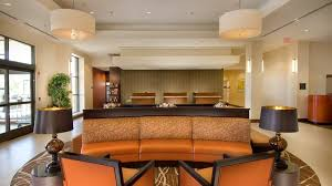 Comfort Inn Suites Airport Dulles Gateway Doubletree Dulles Airport Hotel In Sterling Va