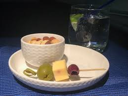 canapé hton fly express dining on united airlines live and let s fly