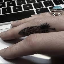 feather finger tattoo tat tat tat it up pinterest tattoo