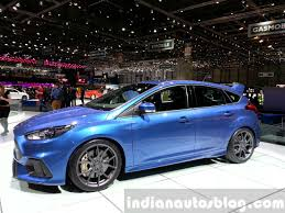 ford focus 2015 rs ford focus rs front three quarters right view at the 2015 geneva