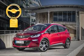 opel vectra 2017 opel ampera e wins 2017 u201cgolden steering wheel u201d