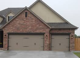 residential hale s overhead doors with for over 30 years of experience serving central oklahoma hale s overhead door co can even do your custom garage doors