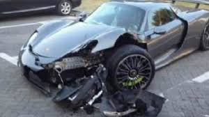 porsche 918 porsche 918 spyder crash aftermath photo