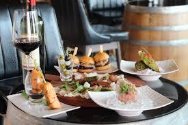 cuisine lounge m wine lounge โรงแรม เมอร เค ยว กร งเทพ ม กกะส น