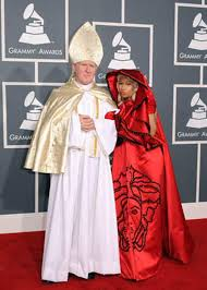 Pope Halloween Costume Nicki Minaj Brings Pope Alike Red Carpet Cbs