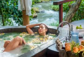 Hotels With Large Bathtubs 14 Romantic Bali Villas With The Most Indulgent Bathtubs And Jacuzzis