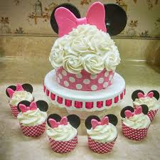 minnie mouse cakes best 25 minnie mouse cupcake cake ideas on mini mouse