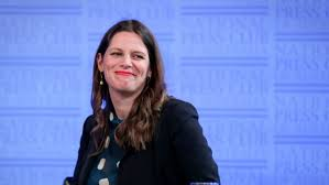 Shadow Front Bench Kate Ellis To Quit Frontbench Forcing Bill Shorten To Reshuffle