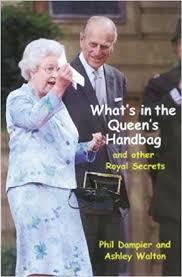 queen handbag amazon com what s in the queen s handbag and other royal secrets