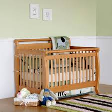 Convertable Baby Crib by Davinci Emily 4 In 1 Convertible Baby Crib In Oak W Toddler Rail