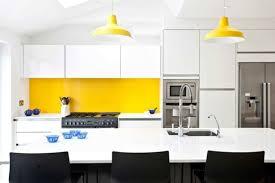 cuisine jaune et blanche deco cuisine jaune et blanc inspirant cuisines deco cuisine blanc