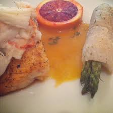 cuisiner sole salmon topped with crabmeat and asparagus wrapped in dover