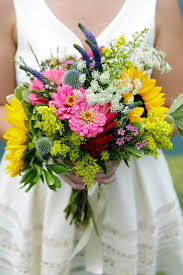 bridal bouquets 3 diy bridal bouquets you can actually make yourself hgtv s