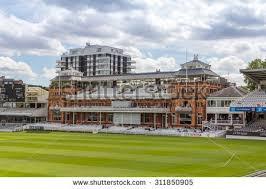 cricket ground banque d u0027images d u0027images et d u0027images vectorielles