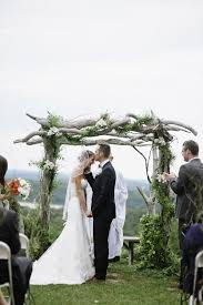 Wedding Arch Nyc 23 Utterly Romantic Ceremony Arches For Your Big Day Woodland