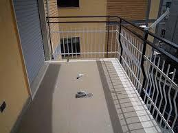 piastrelle balcone esterno pavimento in resina da esterni in fai da te