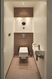 badkamer wc design modern wc deze warme en luxe badkamer is ingericht met badkamermeubels