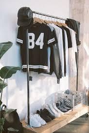 idee rangement vetement chambre 7 portants vêtement à faire soi même avec 3 fois rien armoires