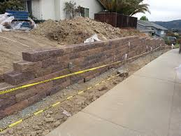 Block Wall Ideas by Decorating Tuma Lawn Saratoga Versa Lok Wall For Exterior Design