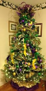 mardi gras tree decorations wow so fabulous that there are who do this right